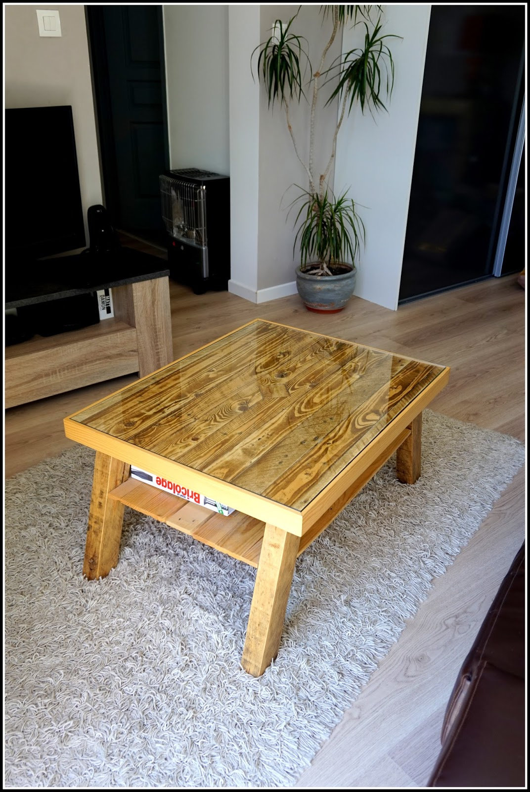 Comment faire une table basse en palette - Faire une table basse en bois ...