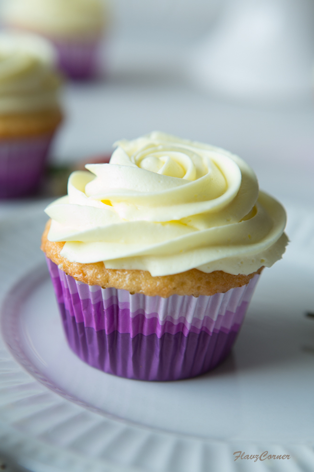 Lemon Cupcakes With Lemon Cream Cheese Whipped Cream Frosting