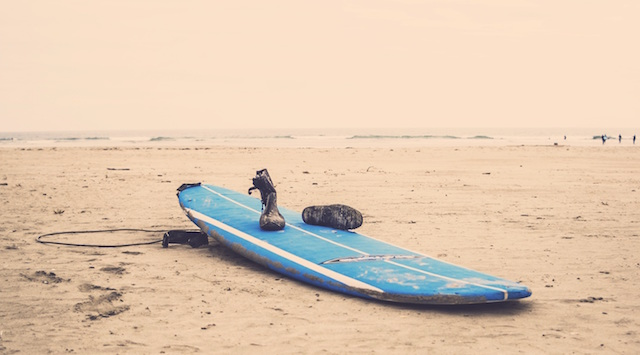 surfboard-surf-beach