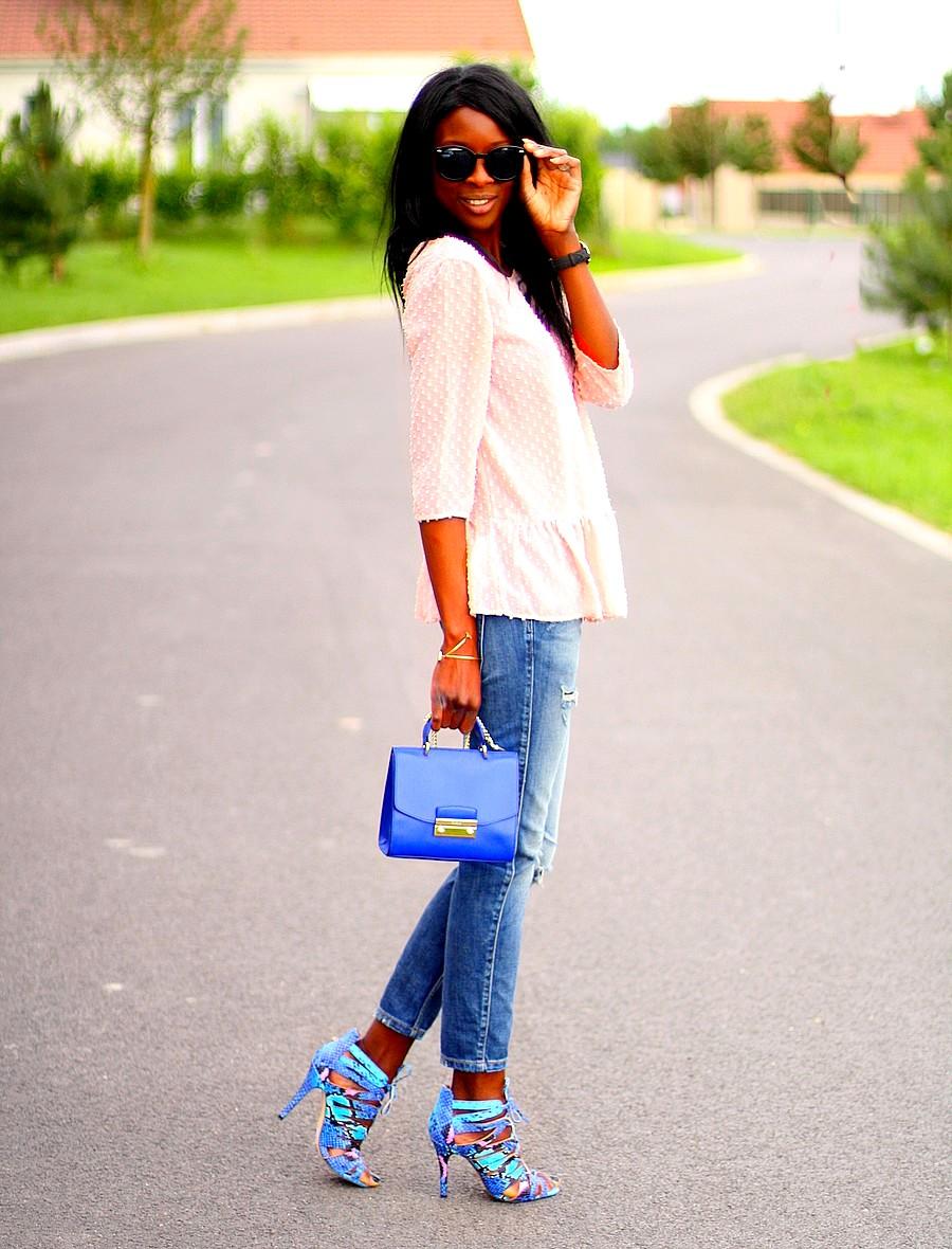 sac-furla-metropolis-julia-top-volants-rose-promod-jeans-dechire-zara-sandales-cages-bleues-