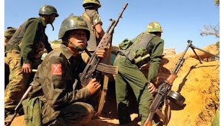 Burma-Myanmar: guerra de Kachin continua, aviões de combate lançam bombas