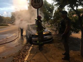 Carro é encontrado em chamas na Paraíba;Veículo foi totalmente destruído pelo fogo