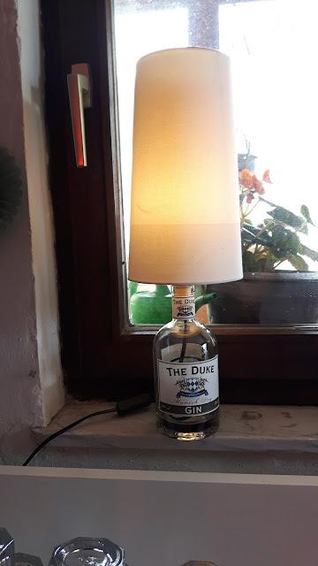 DIY Lampe aus Gin Flasche