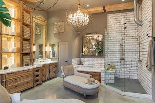 มุมด้านข้างของห้องอาบน้ำ
