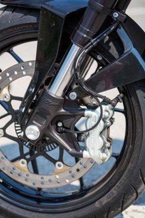 Perlukah Indonesia mewajibkan sistem CBS dan ABS untuk sepeda motor