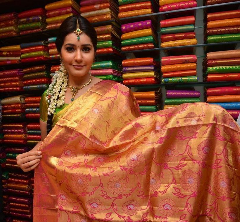 Rashi Khanna At Kanchipuram Kamakshi Silks Launch