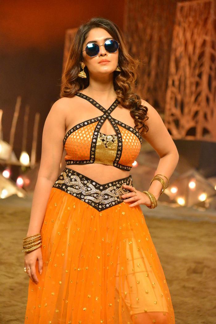 Actress Surabhi Latest HD Images