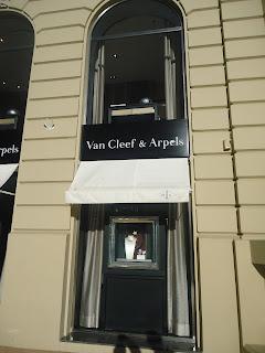 Van Cleef & Arpels Monaco Monte Carlo Shop