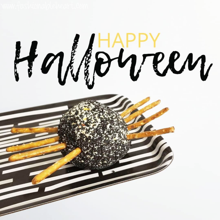 bblogger, bbloggers, bbloggerca, canadian beauty blogger, lifestyle, halloween, treat, cheese ball, cheeseball, appetizer, spider, pretzels, halloween treats, fun food, food, party food