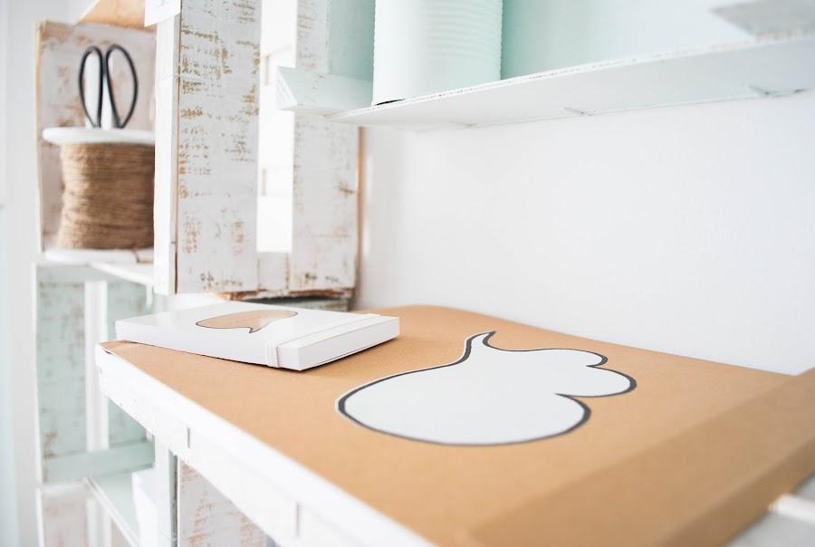 http://www.mylittlebrunch.com/2014/05/diy-mi-estanteria-con-cajas-de-fruta.html #diy #woodenboxes #estanteríaconcajas