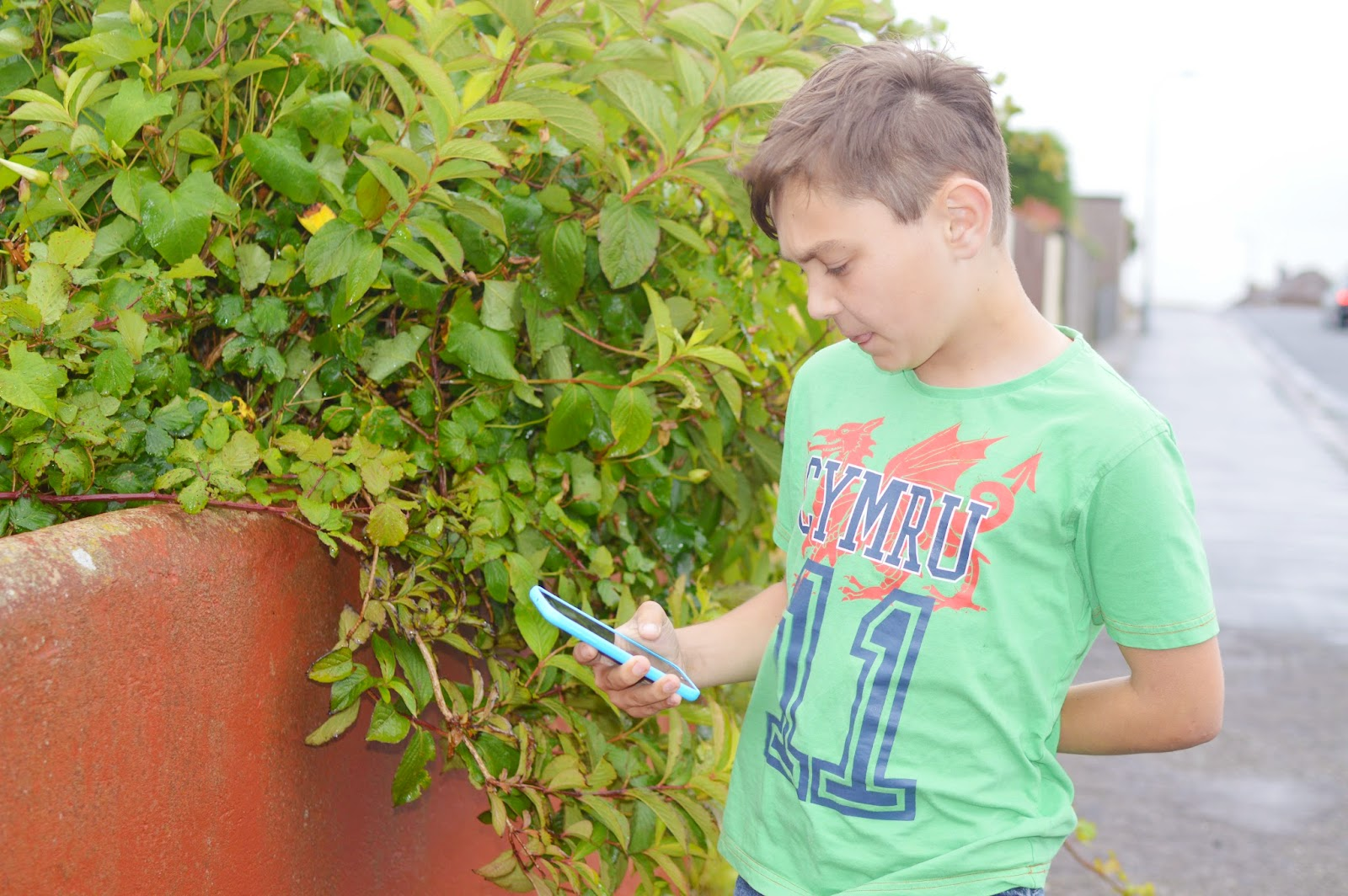 , Choosing the Best Mobile Phone Contract for Children