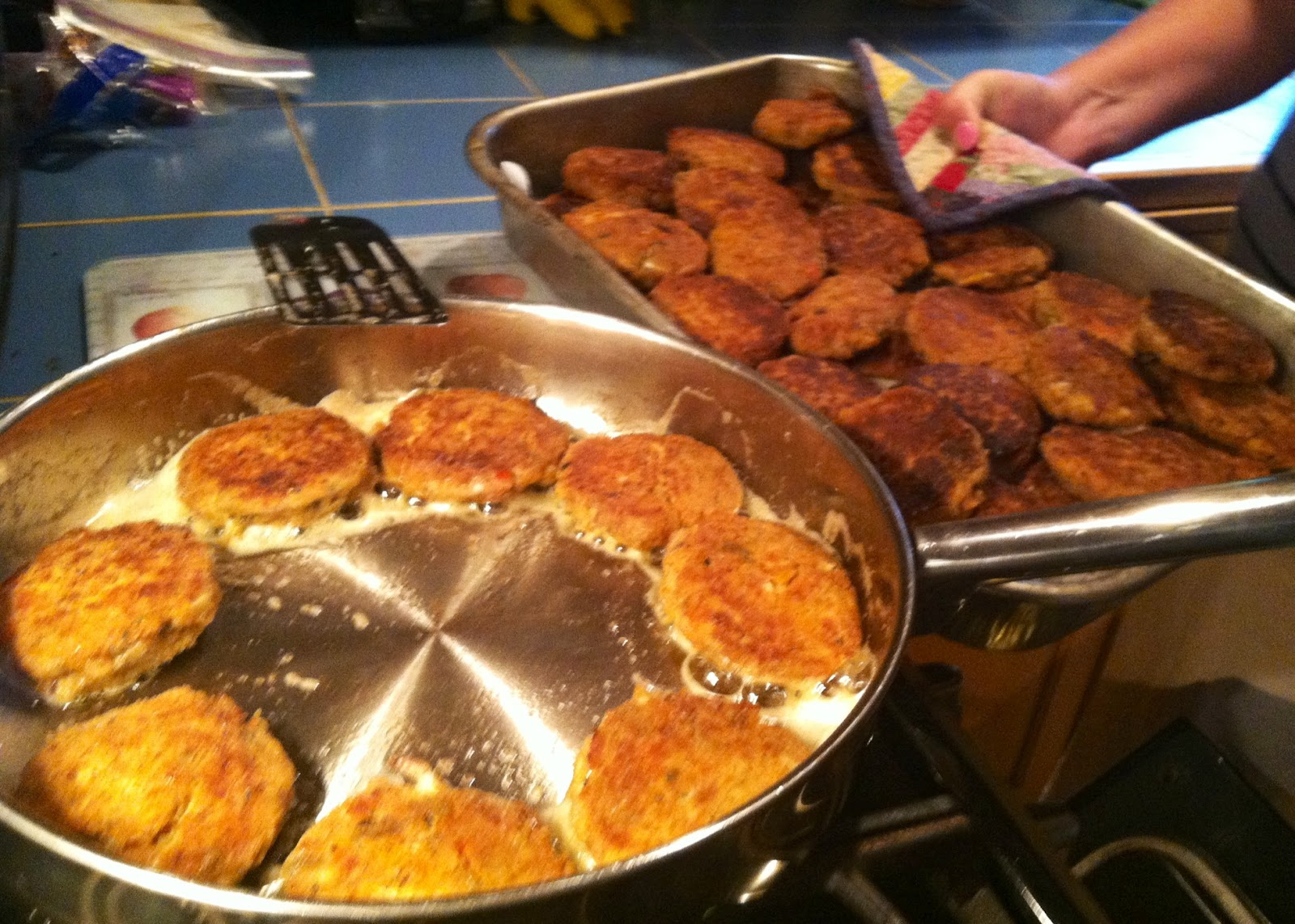 How Long Can Crab Cakes Sit Out