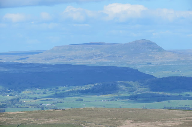 A zoomed-in view of Pen-y-Ghent.