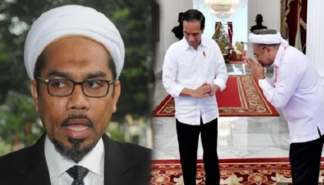 Ngabalin Minta Amien Rais Dipecat, PA 212 : Titipan dari Istana? Terkesan Menjilat