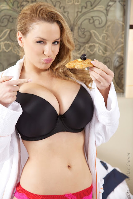 Jordan-Carver-Breakfast-Photo-Shoot-HD-Image-7