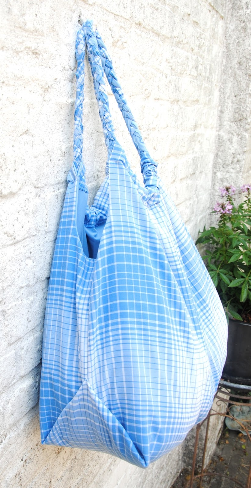 DIY Tutorial. How to sew a big bag of fabric.