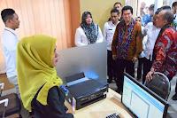 Disaksikan Staf Ahli Kemenaker RI, Bupati Bima Resmikan Penggunaan Gedung LTSA-PPPMI