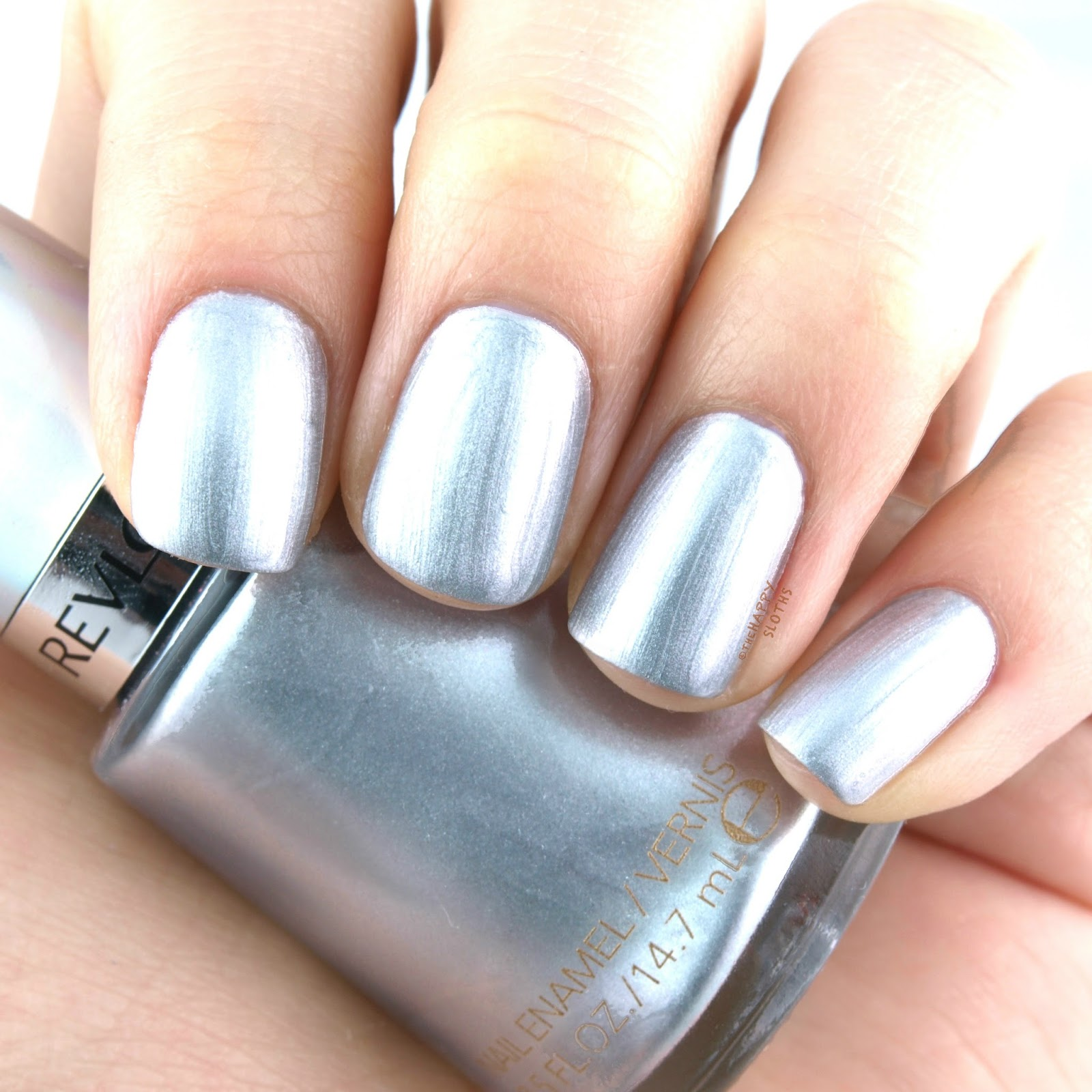 "Revlon Holochrome Nail Polish Collection in ""135 Molten Magic"": Review and Swatches"