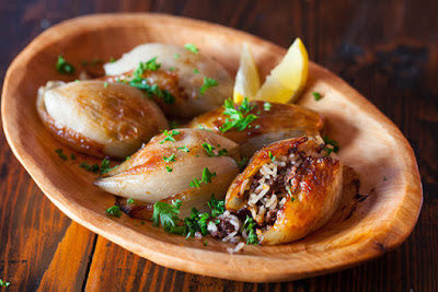 Lebanese Roasted Stuffed Onions