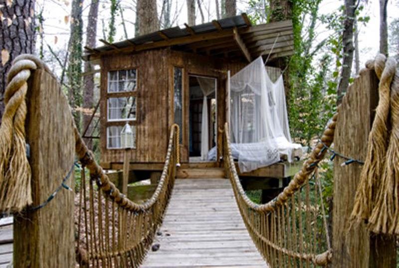 Una Cabana Colgada En Los Arboles Maria Victrix - Cabaas-de-madera-en-arboles