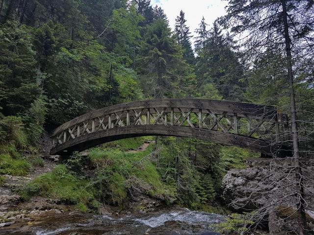 pont cirque de saint même
