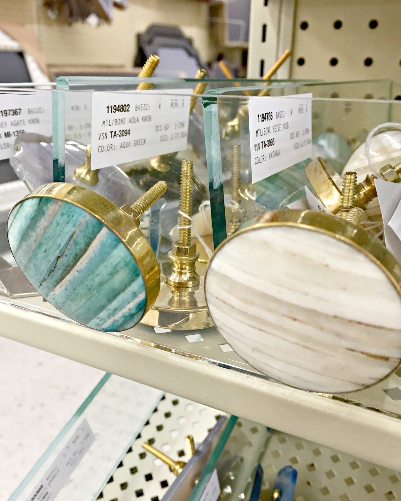 Hobby Lobby Cabinet Knobs : hobby, lobby, cabinet, knobs, Place, Beautiful, Knobs, Pulls, Thrifty, Decor, Chick