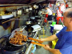 Chong-Pang-Nasi-Lemak- Hup-Lee-Fried-Bee-Hoon