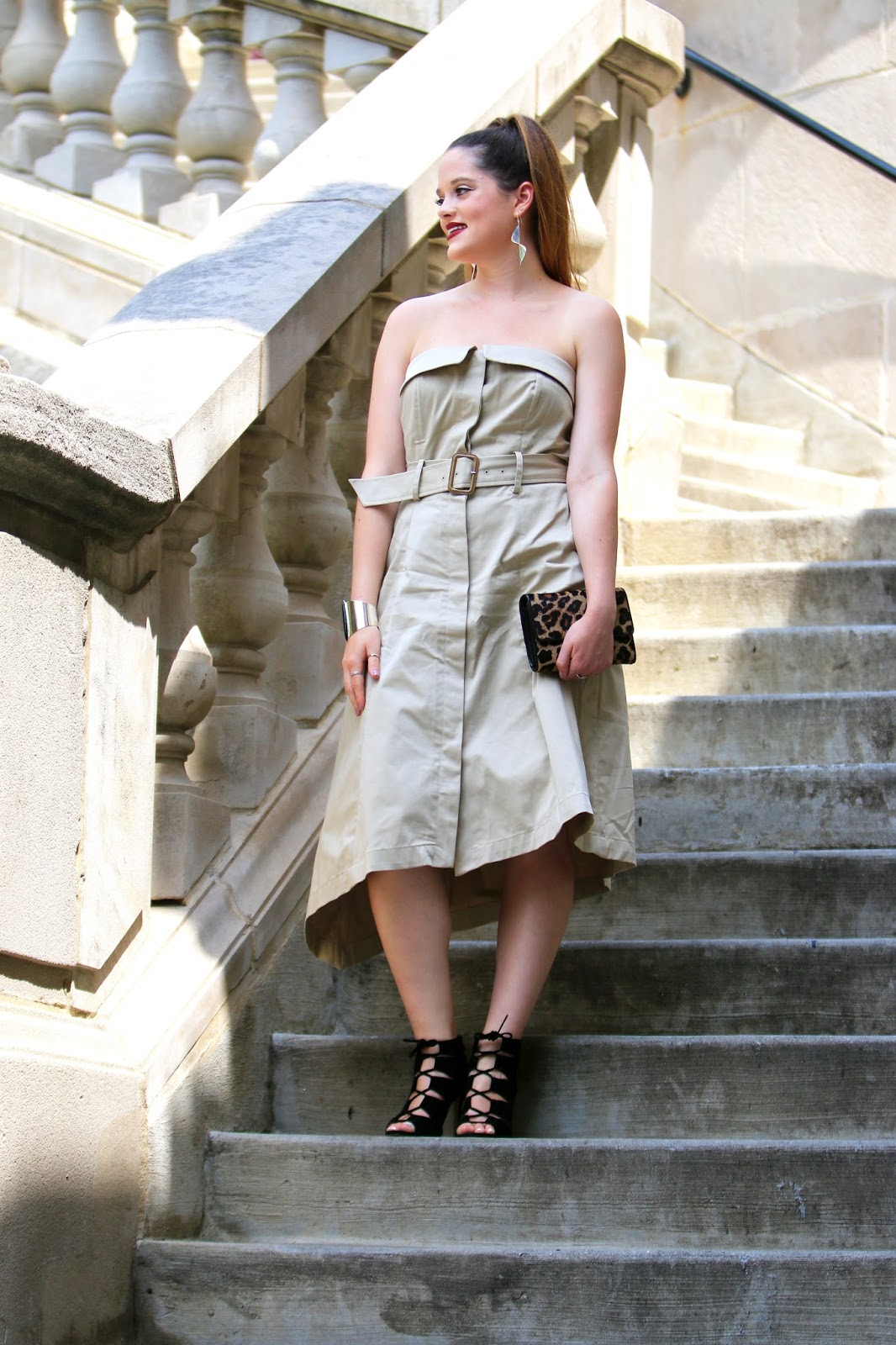 NYC Fashion blogger Kathleen Harper of Kat's Fashion Fix wearing a Banana Republic trench dress