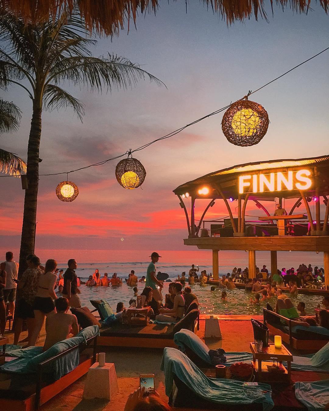 finns-beach-club