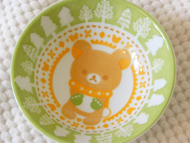 A bowl with a Rilakkuma winter theme design