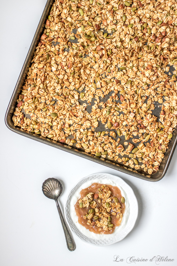 Homemade Granola, quick and easy to make! - La Cuisine d'Hélène
