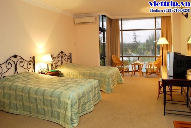 Phòng ngủ tuy đơn giản nhưng rộng rãi