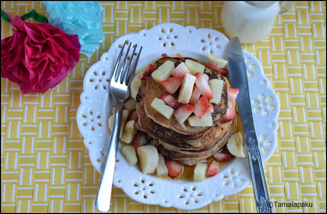 Eggless Banana Pineapple Pancakes