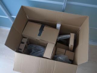 エルゴヒューマンプロ オットマン箱のふたを開けたところです。