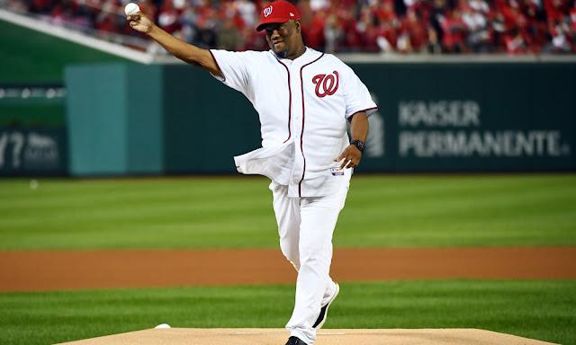 El ex pitcher cubano de Grandes Ligas Liván Hernández se encuentra en el campo de entrenamiento de los Nacionales de Washington