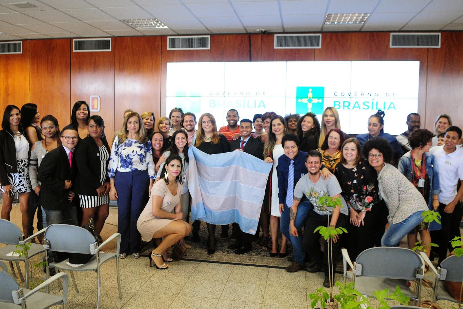 Governo de Brasília faz homenagem para militantes travestis e transexuais