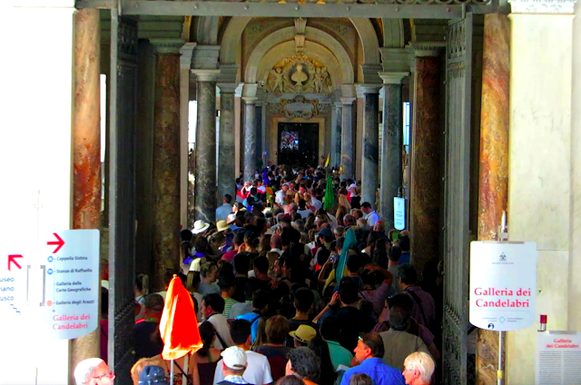 Vatican City Crowded