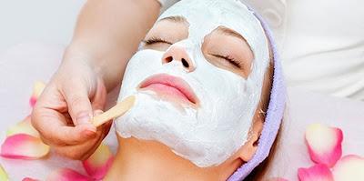 Argile blanche: Douceur pour la peau et les cheveux