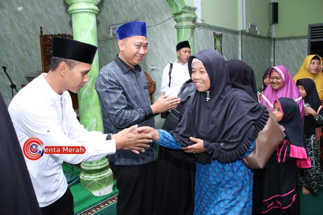Lakukan Safari Ramadhan, Bupati Lampura Berjanji Penuhi Semua Janji Politiknya