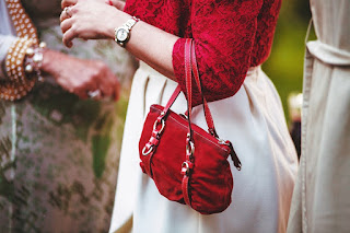 Stylish Trending Handbags and Purses For Women