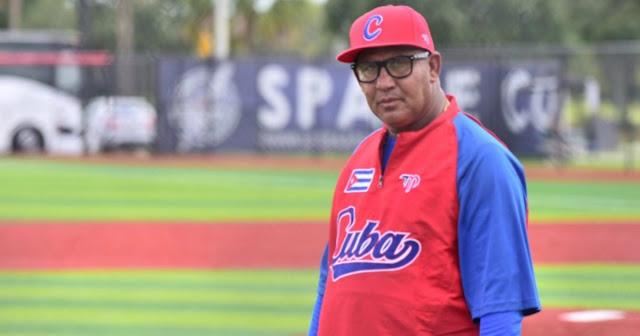 Oliver Tamayo Sarmiento era el director del béisbol femenino en la provincia de Pinar del Río y llevaba trabajando varios años ya con la selección nacional, incluso participando en torneos internacionales