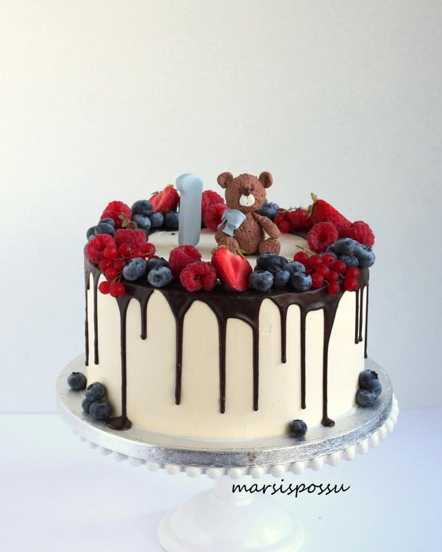 Marjaisa kakku 1-vuotissynttäreille