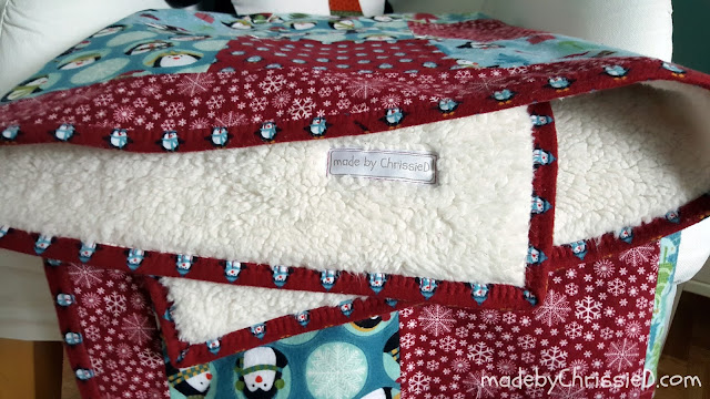 Chris Dodsley @mbCD: Hand Tied Snuggle Quilt Pattern [Tutorial] : how to hand tie a quilt - Adamdwight.com