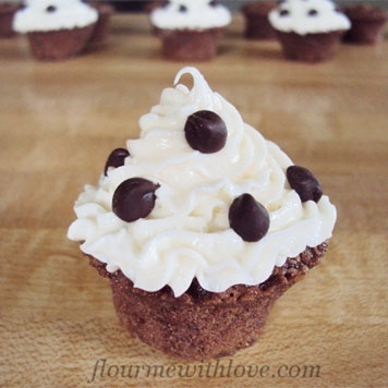 Morsels of Life - Chocolate Mousse Tarts - Chocolaty tarts with a gooey center, then topped off with a slightly sweetened whipped cream! A wonderful recipe perfect for any holiday gathering.