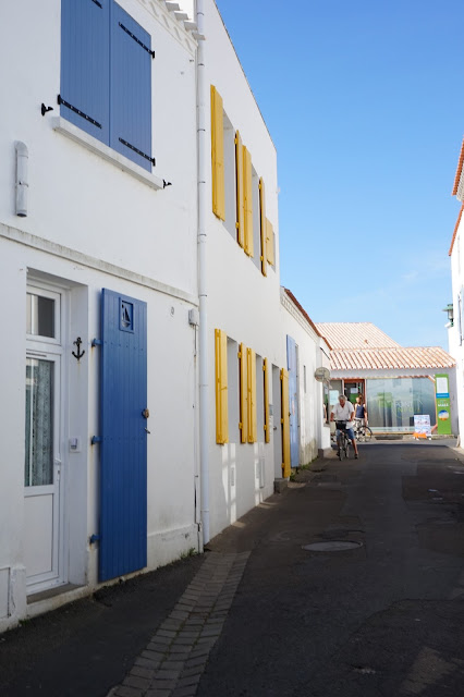 ruelle, port joinville, ile d'yeu, bullelodie
