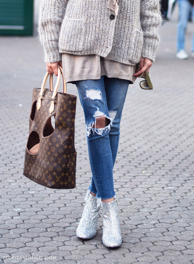 How to wear glitter shoes, glitter boots Saint Lauren, street style, Louis Vuitton tote designed by Comme des Garçons' Rei Kawakubo, taupe colour style, ripped jeans, Street style spring Ljupka Gojić Mikić