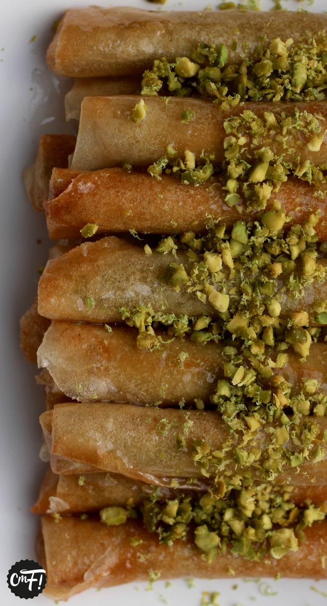 Voici une des recettes stars de la pâtisserie orientale  les cigares aux  amandes. Pour ceux qui ne connaissent pas, il s\u0027agit d\u0027une pâte d\u0027amande  enroulée
