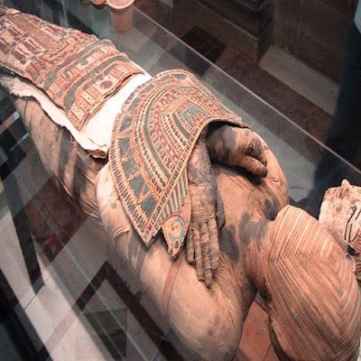 Στον αξονικό τομογράφο πέντε αιγυπτιακές μούμιες