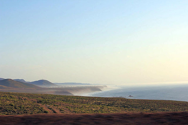 La niebla sobre el mar de Sidi Ifni (Foto de Internet)