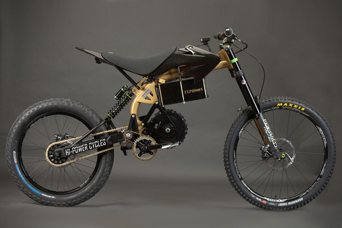 Japon yapımı enduro spor bisikleti Yamaha TTR 250 88